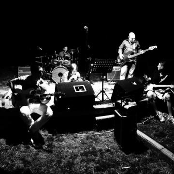 Foto band emergente Radical Chicks