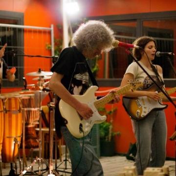 Foto band emergente DEM
