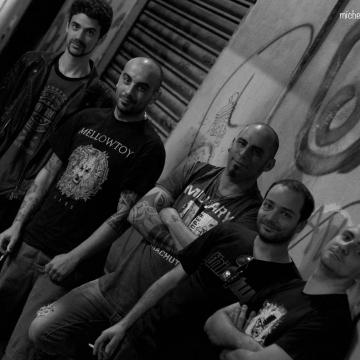 Foto band emergente Blank
