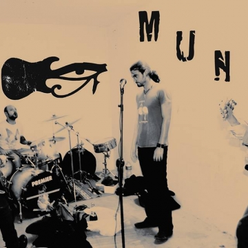 Emerging band photo MUNA