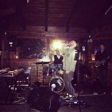 Foto band emergente BlackHole