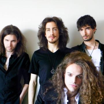 Foto band emergente TreSetteTreGradiKelvin