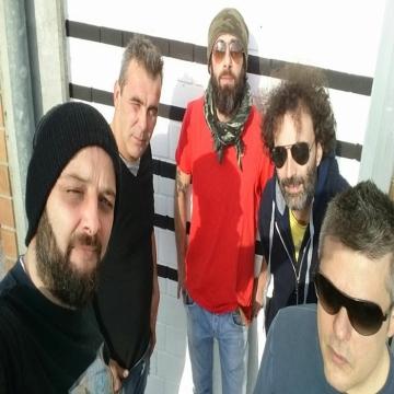 Foto band emergente Pervinka