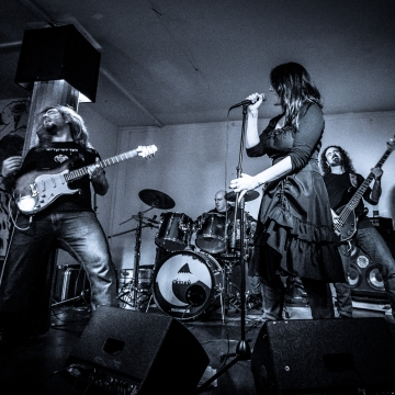 Emerging band photo Respiro