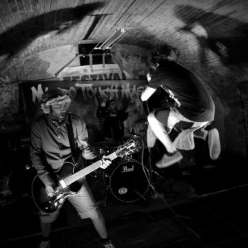 Foto band emergente Micro touch magics